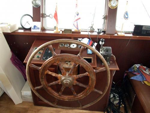 clubschiff steuerstand 020