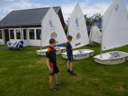 Regata am kleinen Meer  Opti mit Thalea und Jan Dirk  Thalea machte den 6 Platz Jan Dirk den 2 Platz (4)